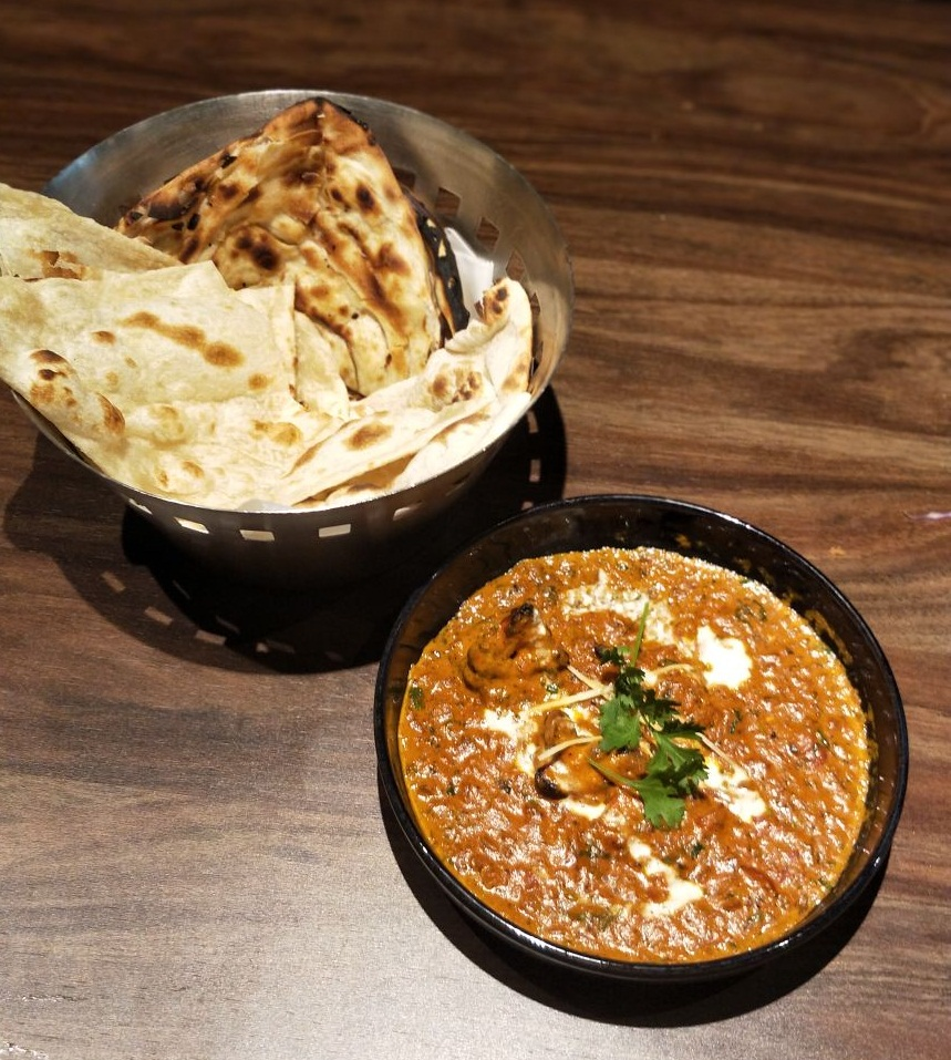 Chicken Tikka Masala with Naan, chicken, tikka, naan