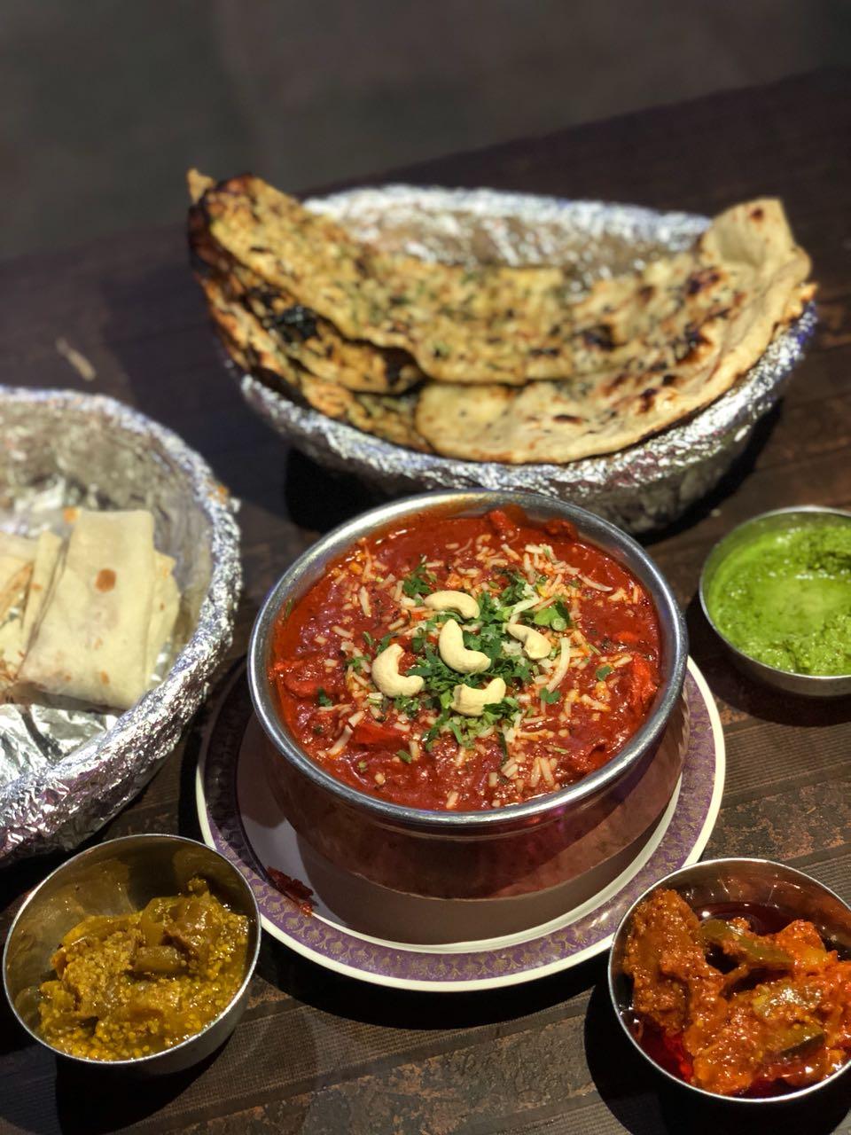 naan, chicken, rommali roti, chutney, achaara, dinner, buffet, bruch