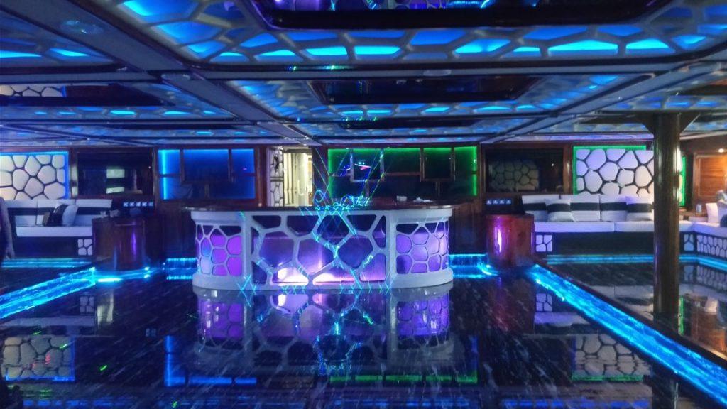 club, disco, dubai, pub, marina
