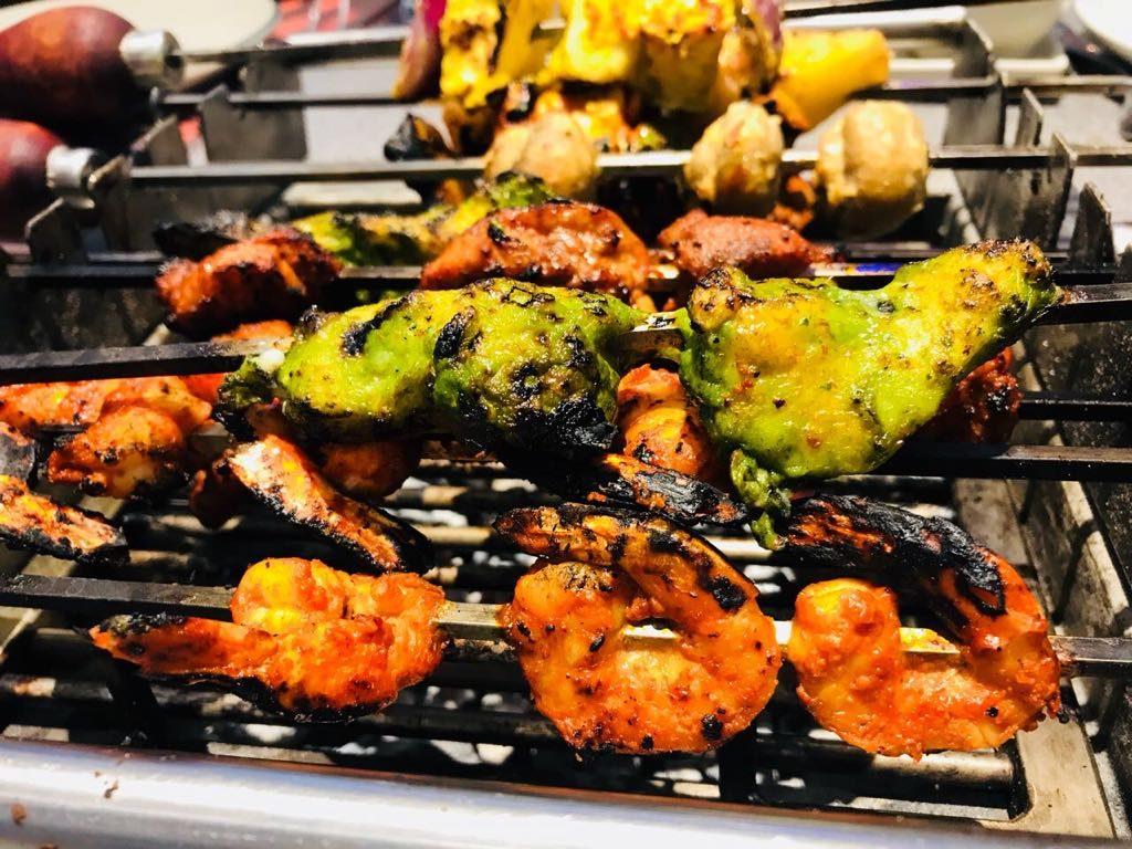 chicken, shrimps, mutton, prawns, roasted, bbq