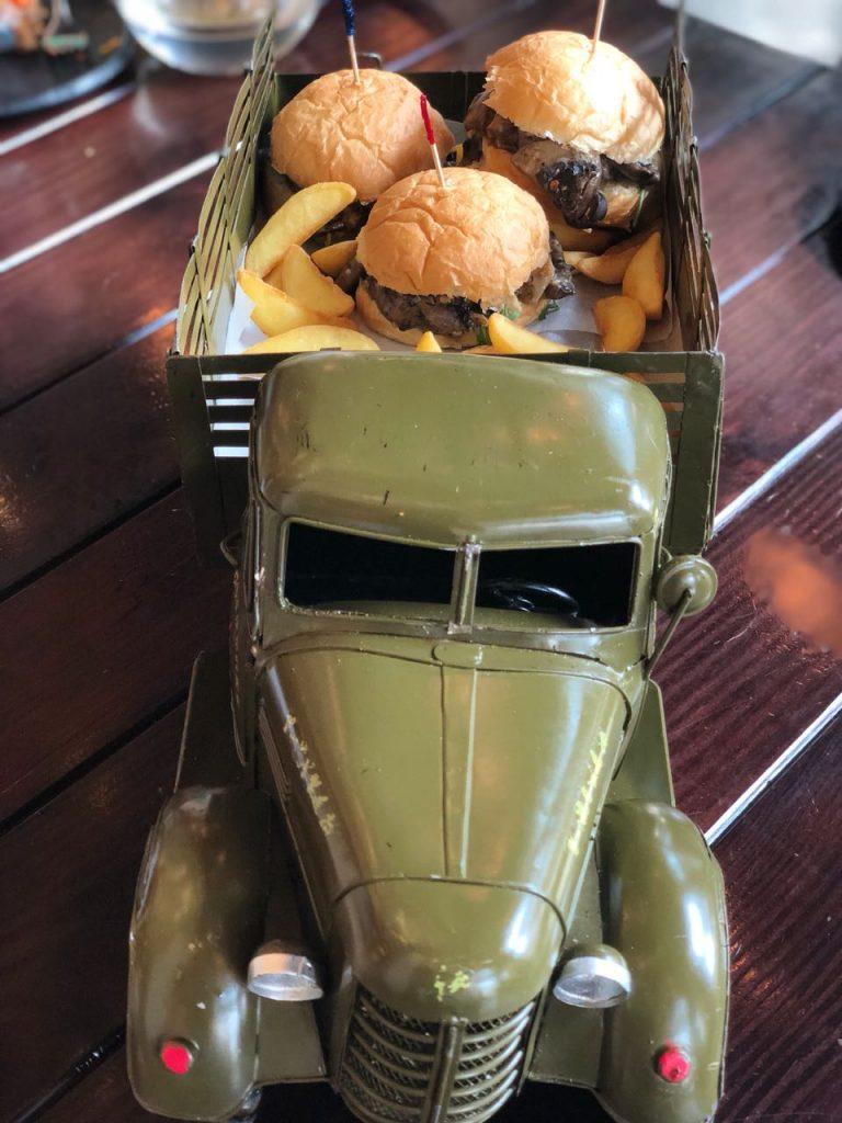 Portobello Mushroom Slider, burgers, mini burger, farzi cafe