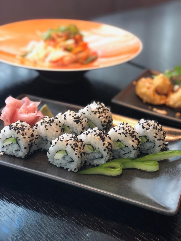 Sushi, avocado sushi, avocado